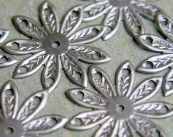 6 Vintage filigree metal flower findings