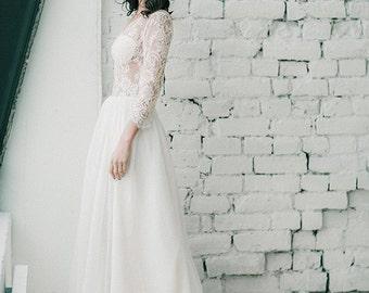 Tasmin//Long sleeve wedding dress//Bohemian wedding dress//Rustic wedding dress//Boho wedding dress//Lace beach wedding dress