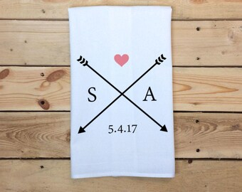 Personalized Tea Towel, Initials Date Heart & Arrows Tea Towel, Custom Couple Flour Sack Towel, Dish Towel, Kitchen Decor, Gift for couple
