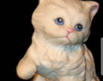 Homco Single Kitten, paw up, # 1413