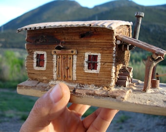 Casa de madera reciclada // House of recycled wood