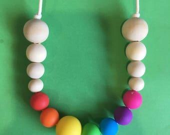 Teethin necklace rainbow