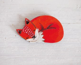 Fox pin, fox gift, wooden pin, fox brooch, wooden brooch, handpainted brooch, gift for animal lover, foxy, fox jewelry, fox art, red foxes