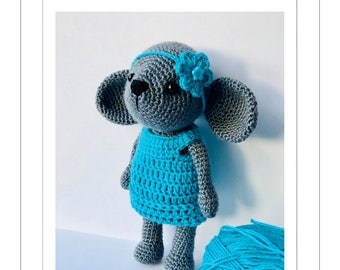 Crochet Molly the Mouse pattern