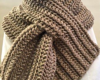 PDF Pattern | UNISEX Keyhole Scarf Easy Pattern Knit Tutorial, Chunky Scarf, Hand Knit Scarf