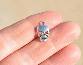 BULK 50 Silver Skull Charms SC1741