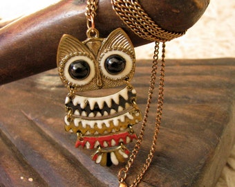Vintage owl necklace Enamelled brass owl Enamel metal pendant necklace Detailed owl pendant Cloisonne enamel owl
