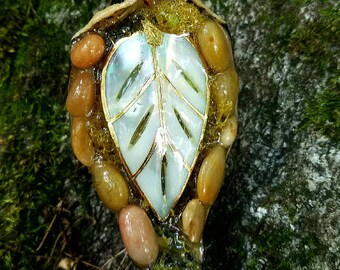 Shell Leaf Pod Pendant