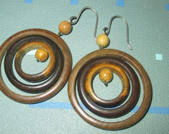 Vintage MId Century MOD Wood Circle Geometric Dangle Earrings