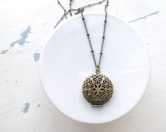 Essential oils necklace // diffuser necklace // long gold locket necklace // antique bronze necklace // gold locket necklace // long locket