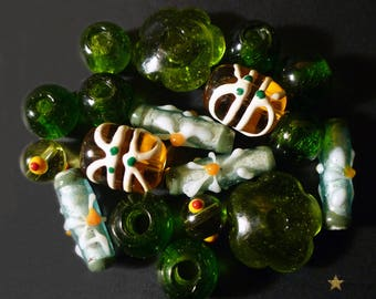 Hand made glass Indonesian, set of 18 beads