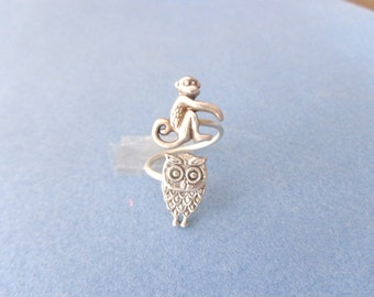 Monkey ring with an owl, adjustable ring, animal ring, silver ring, statement ring
