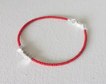 Red bracelet, red string bracelet,ankle bracelet, bracelet femme, seed bead bracelet,friendship bracelet,minimalist bracelet,beaded bracelet