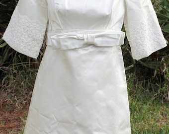 Vintage Mod Handmade Short Mini White Satin Wedding Dress w/ Veil Bows Lace Unique Empire Waist Belt 50s 60s 3/4 Sleeves Baby Doll Daisies