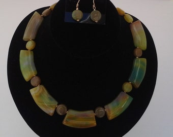 Golden Green Multi-color Agate Collar Necklace / Earring Set