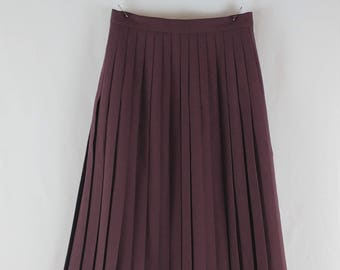 Vintage 1970s St Michael Pleated Knee Length Skirt