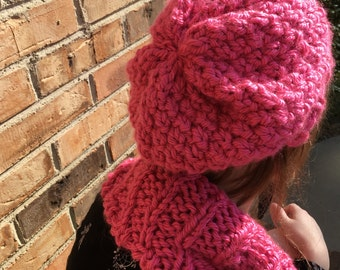 Seed Stitch Beret, Knit, Solid Color, Shown in Hot Pink and Natural