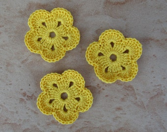 set of 3 yellow flowers 5 petals crochet