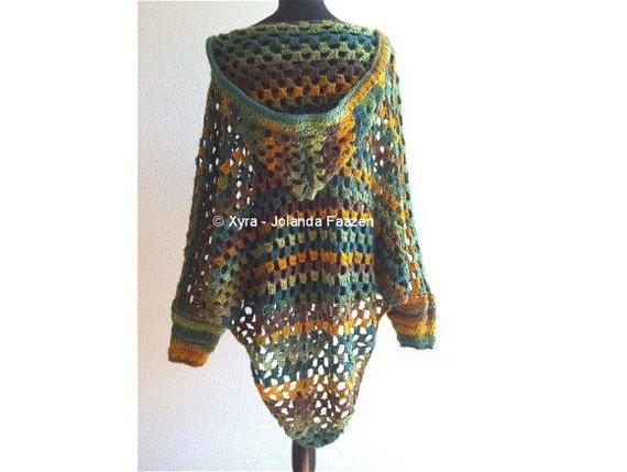 PATR1030 Xyra Crochet-pattern Poncho with sleeves and hood