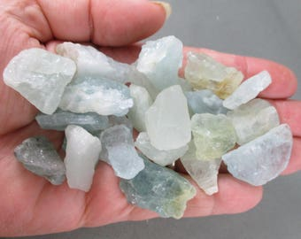 Premium Aquamarine Crystal Raw - Healing Stones, Rocks and Minerals, Raw Crystals, Calming Stones, Reiki Crystals, Raw Aquamarine Stone T496