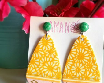 """""""Sapporo"""" model earrings made with Japanese paper."""