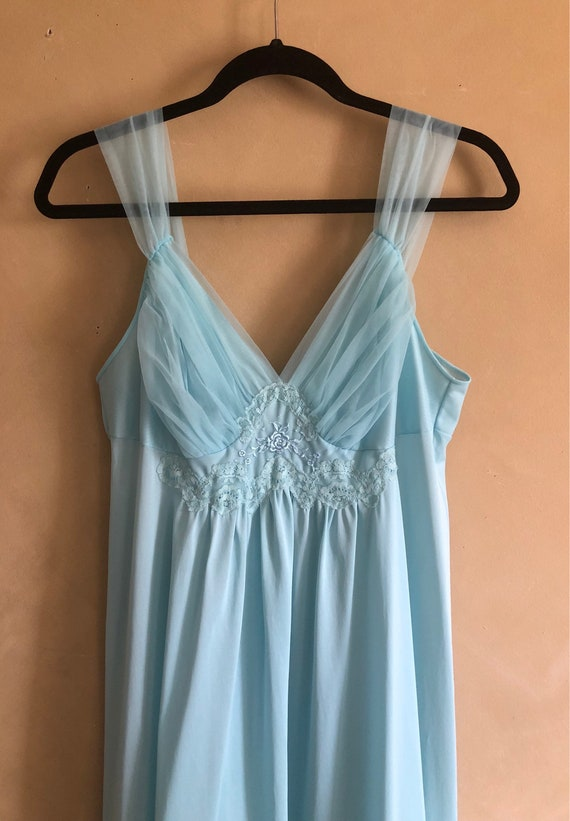 Vintage 60/70's Pretty Blue Nightgown