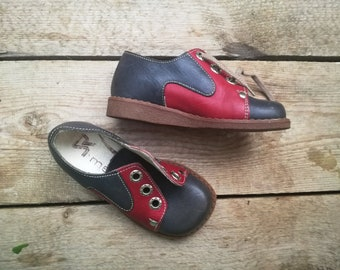 Deadstock vintage kids shoes toddler leather lace shoes 60s 70s