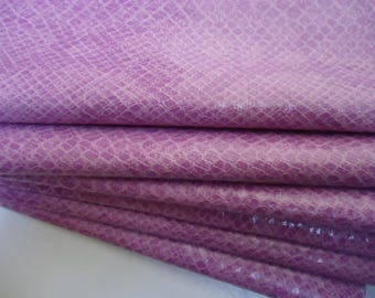 Coupon - 35x50cm - lilac - faux leather snake skin-