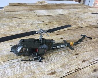 1/48 UH-1 Huey Gunship