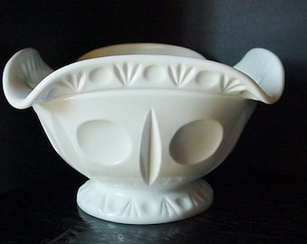White Milk Glass Large Westmoreland Serving Bowl Home and Garden Kitchen and Dining Serveware Tableware Bowls