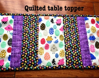 Easter quilted table topper, Quilted Table runner,Easter Deco.