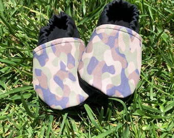 Camo vegan faux leather and canvas baby booties! Many sizes! Canvas baby shoes