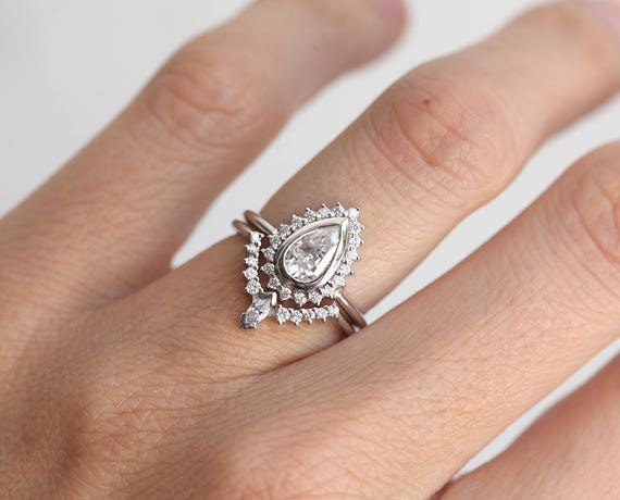 Attractive Pear Diamond Ring Set Art Deco Diamond Ring Set Diamond