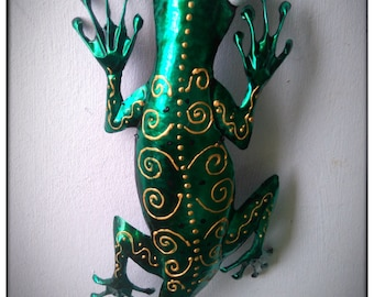 Coffee Tin Gecko ( Green ) Made from a Coffee Tin.
