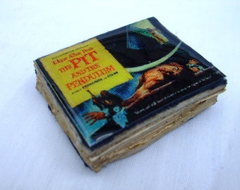 Edgar Allan Poe Pit And The Pendulum Mini Book