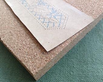 Cork board for bobbin lace prickings