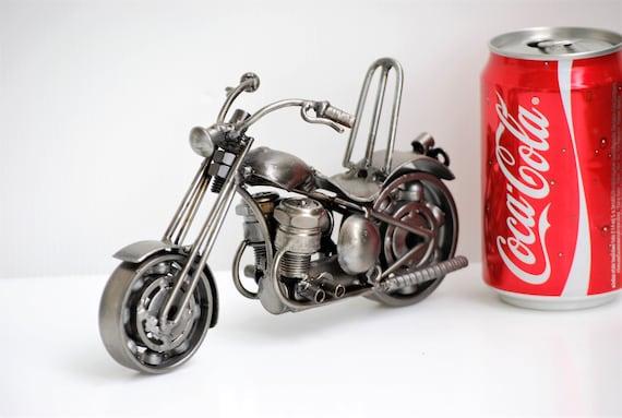 chopper motorrad schrott metall skulptur cool geschenk f r. Black Bedroom Furniture Sets. Home Design Ideas