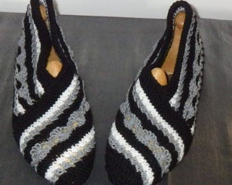 40/42 women slippers, black, grey and white striped