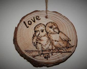 Love birds, pyrography, tree slice, love
