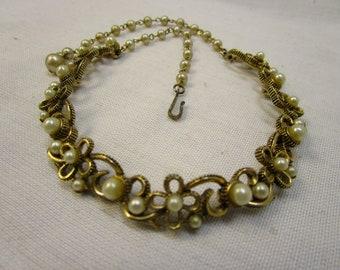 Vintage Victorian Lisner Pearl Choker Lisner Pearl Necklace Victorian Necklace Bridal Necklace Vintage Lisner Pearl Hinged Choker