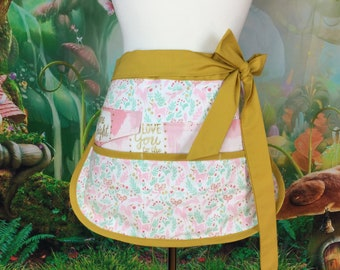Unicorns Half Vendor/Utility Sassy Apron, Womens Regular and Plus Sizes, 6/8 Pockets, great for Teachers, Gardening, Crafts