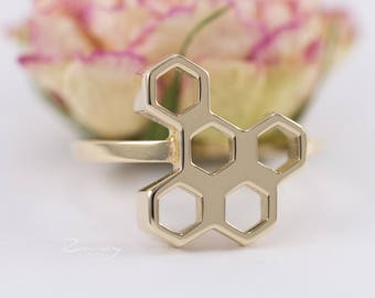 Honeycomb ring,gold bee ring,Beehive Ring,geometric ring,hexagon ring,bumblebee ring,tiny bee ring,bee jewelry,Delicate Simple Ring,14k gold