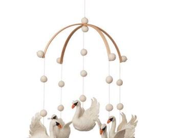 Baby Mobile - Nursery Decor - Swan Mobile - Ballerina - Swan - Felt Balls - Felt -Scandinavian decor