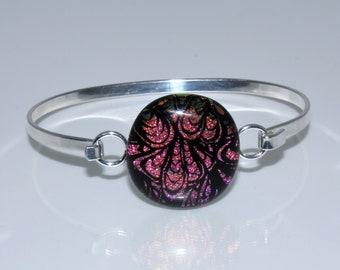 Pink glass bangle, dichroic bangle, pink jewellery, unusual jewellery, unique jewellery, feather jewellery, bangle, fused glass