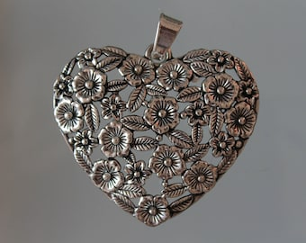1 heart pendant with silver - charm - charm - heart jewelry - decoration-