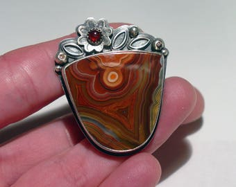 Studio Sterling Silver Agua Nueva AGATE and Garnet Foilate Statement Ring, Signed