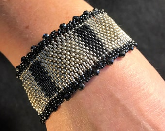NO 167 Hand Beaded Crystal and Glass Bracelet