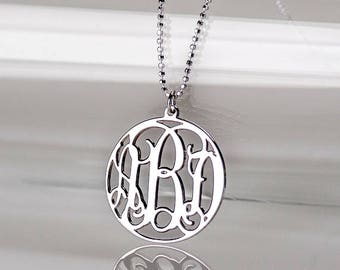 Circle Monogram Necklace in Sterling Silver 0.925