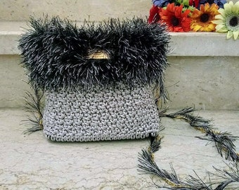 Women crochet bag