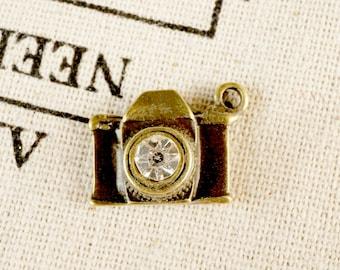 Camera with rhinestone 4 antique bronze vintage style pendant jewellery supplies C305